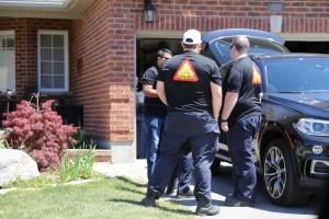 Pictures of the door to door campaign in Ontario and Prairies Region - May 23rd, 2015